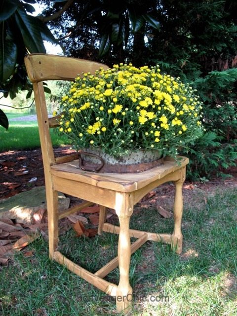 Broken down Chair Planter diy directions. Broken chairs are easy to find at thrift stores. Turn one into a chair planter! #ScavengerChic #MyRepurposedLife #repurposed #furniture #planter #outdoors via @repurposedlife