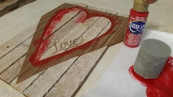 love-stencil-valentine-decor