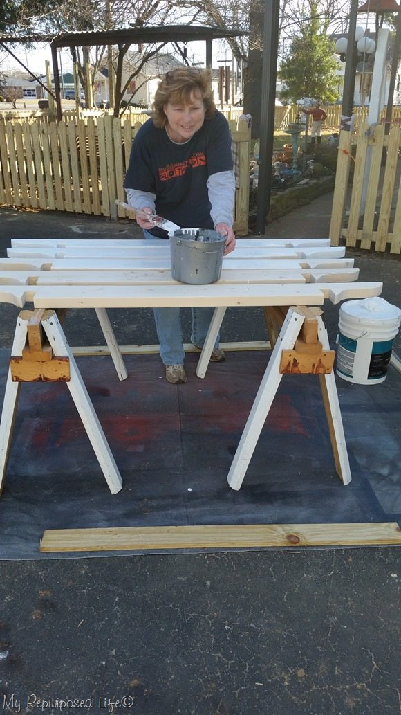 painting-pergola-boards