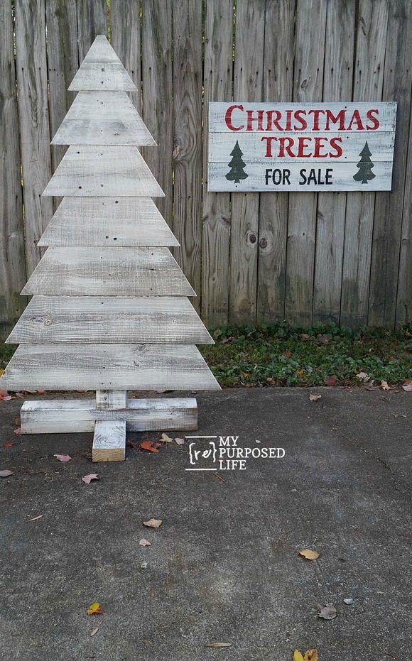 reclaimed wood whitewashed Christmas tree MyRepurposedLife.com