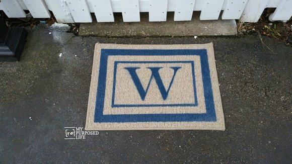 easy diy monogrammed blue spray painted welcome mat MyRepurposedLife.com