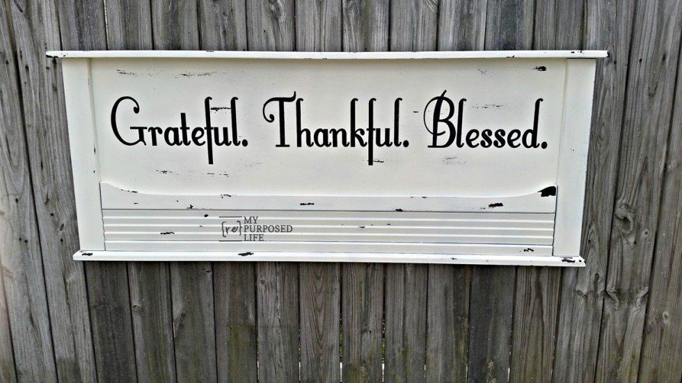 grateful thankful blessed distressed headboard sign MyRepurposedLife.com