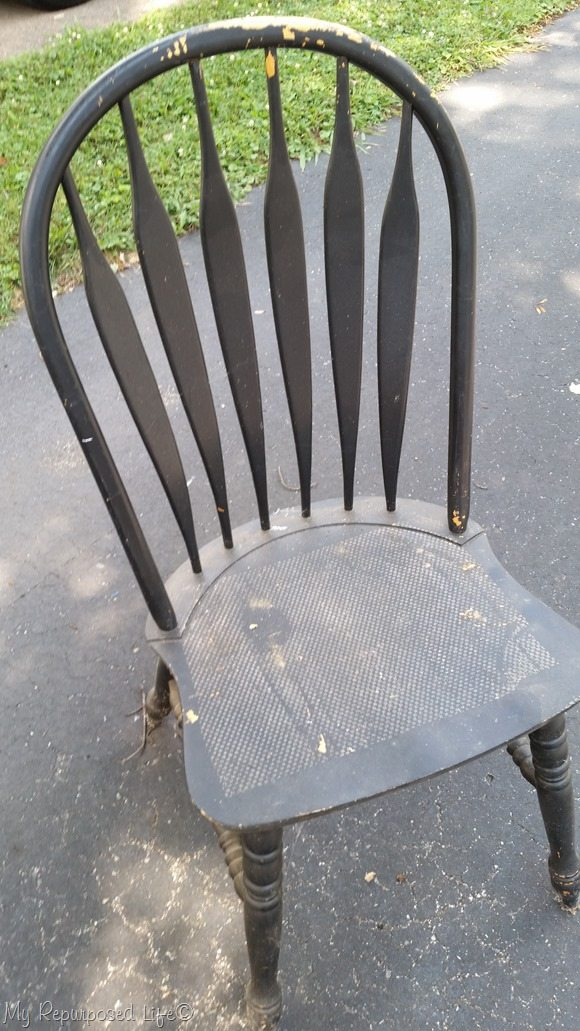 chippy black chair