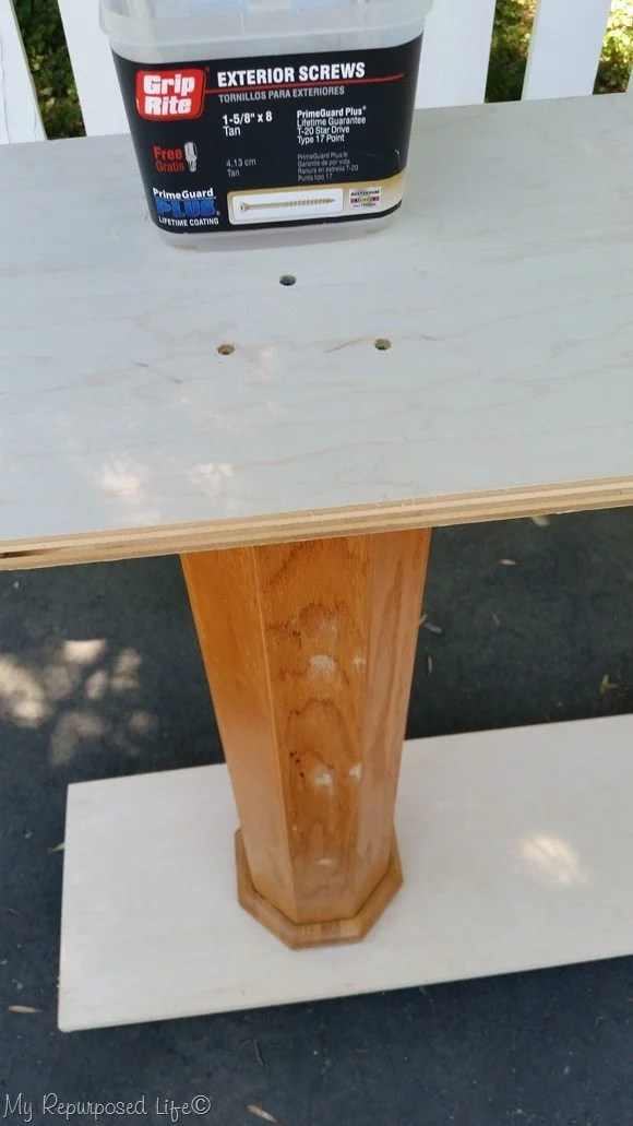 secure top of double pedestal table