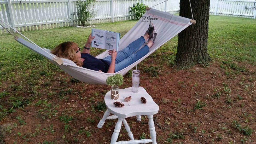 how to make a diy drop cloth hammock MyRepurposedLife.com