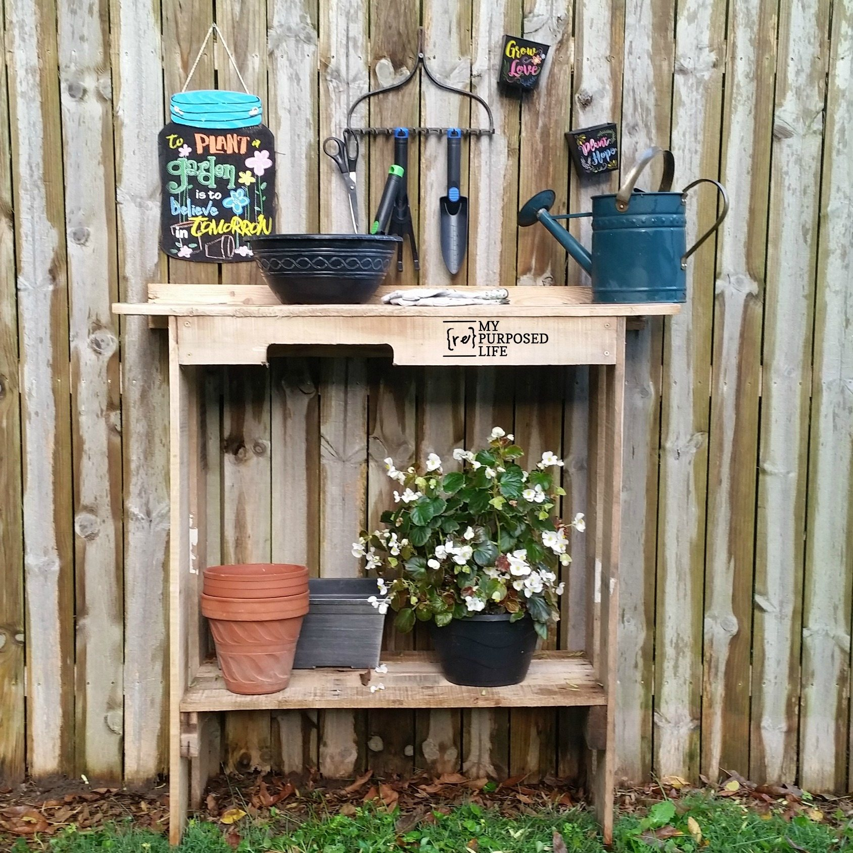 Awesome One Pallet Project Easy Potting Table My Repurposed Life Ibusinesslaw Wood Chair Design Ideas Ibusinesslaworg