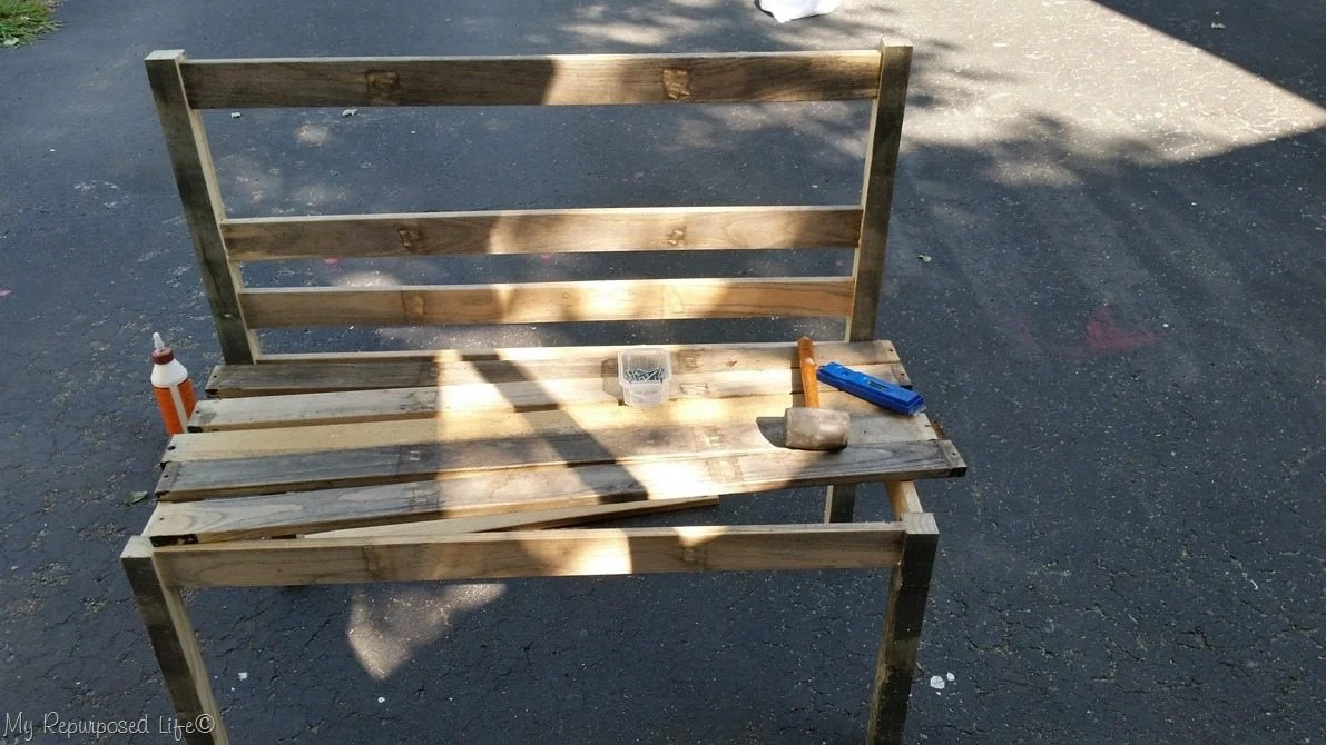 Cut Back Wooden Slats, Drill Pocket Holes And Assemble. Easy Diy Rustic  Wooden Slat Bench ...