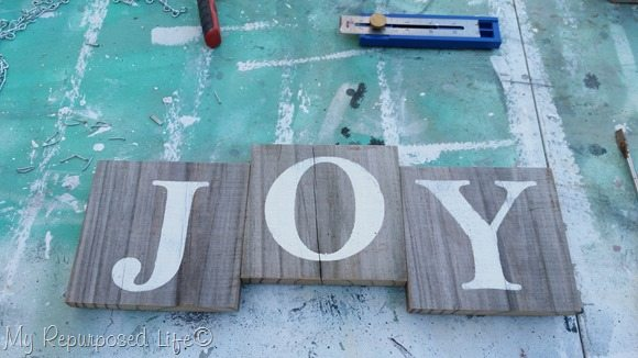 joy spindle sign for Christmas