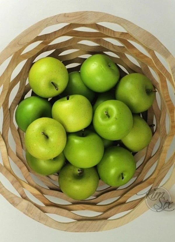apples-in-scroll-saw-basket
