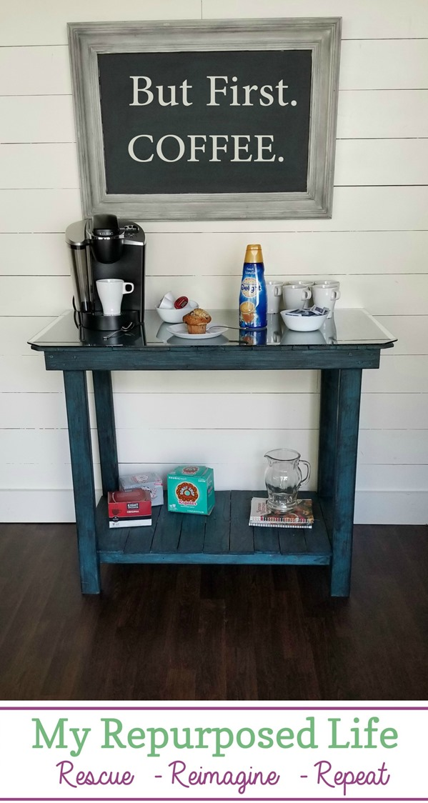 coffee bar pallet table #pallet #table #coffee #bar MyRepurposedLife.com