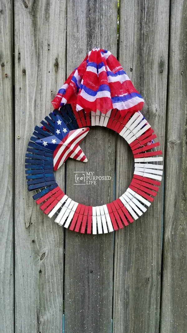 red white blue clothespin wreath MyRepurposedLife.com