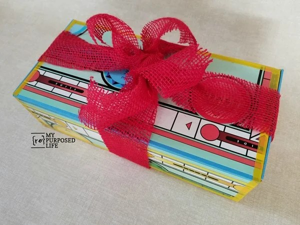 Sorry game board gift box tied with red burlap ribbon MyRepurposedLife.com