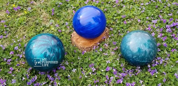 diy gazing balls on the lawn MyRepurposedLife