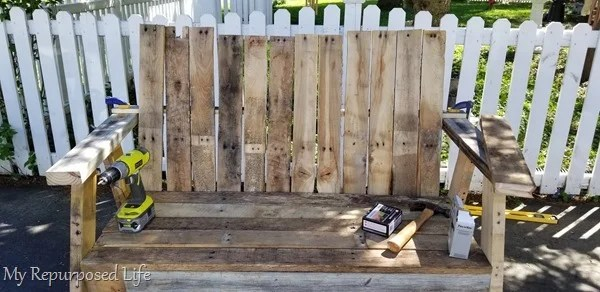 dry fit pallet loveseat bench boards