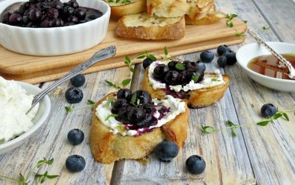 Blueberry-Goat-Cheese-Crostini-w-Thyme-Honey-680x426