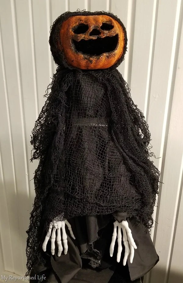 how to make creepy pumpkin head body
