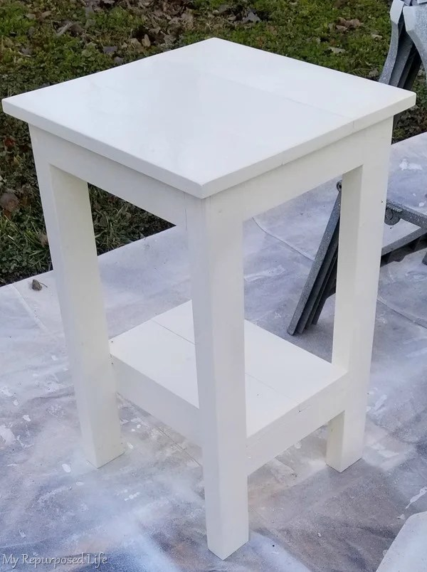 white simple table build