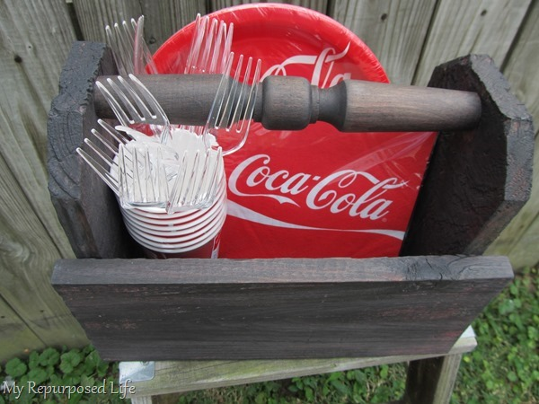 diy wooden caddy from reclaimed materials