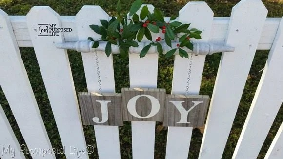 white-picket-fence-Joy-spindle-sign-Christmas-Decor