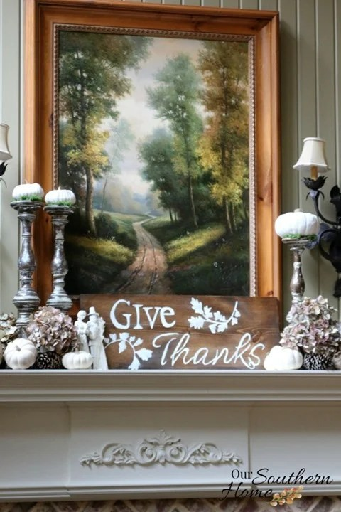 give thanks sign and free graphic