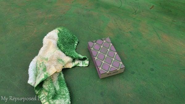 sanding sponge fuzzy table