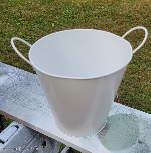spray painted galvanized bucket