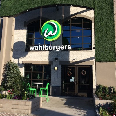 Our visit to Wahlburgers of Myrtle Beach – Restaurant Review