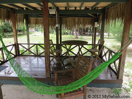 Mari-Mari Backpackers Lodge (Pulau Mantanani Besar)