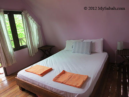 bed of deluxe room
