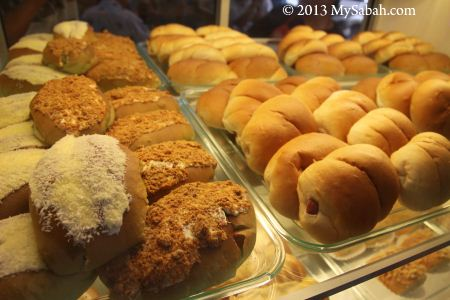 variety of bread, pastry and bun