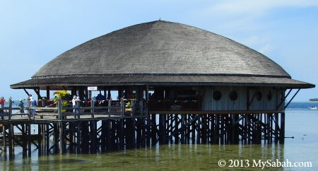 floating seafood restaurant of Semporna