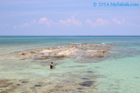 fisherman at Bak-Bak Beach