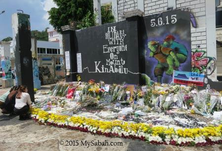 makeshift memorial site for Sabah Earthquake 2015