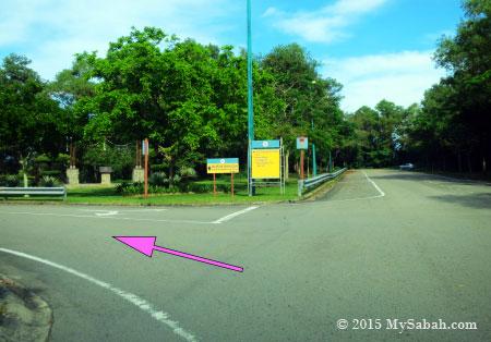 junction to Aquarium & Marine Museum