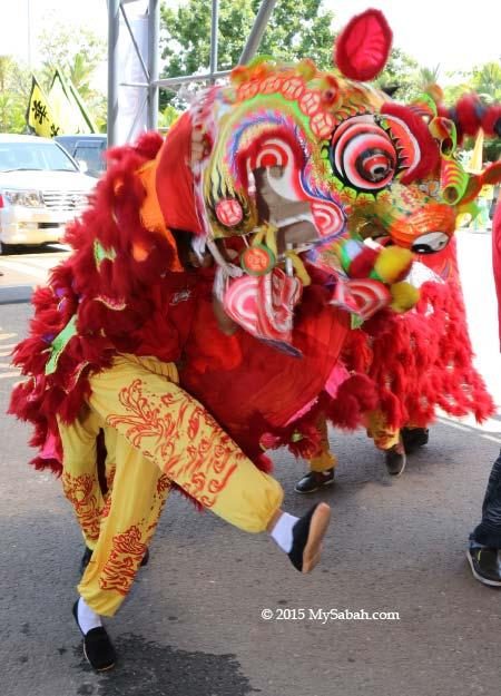 dancing unicorn (麒麟)