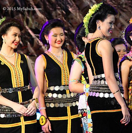 Unduk Ngadau wearing Tangkong