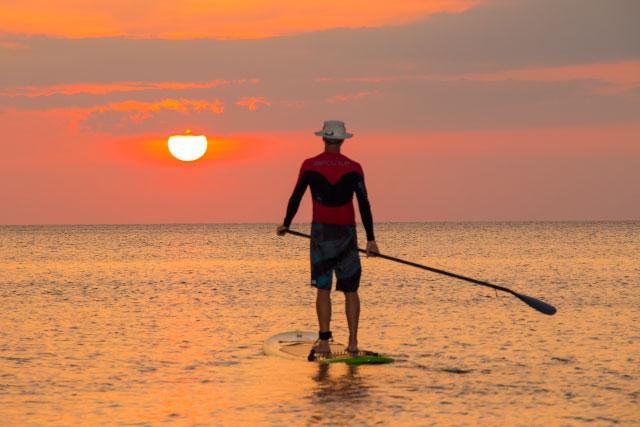 Sunset Standup paddleboarding at Tanjung Aru Beach