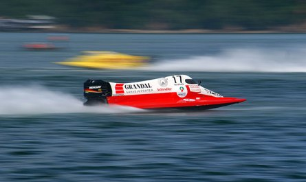 F2000 Powerboat Race