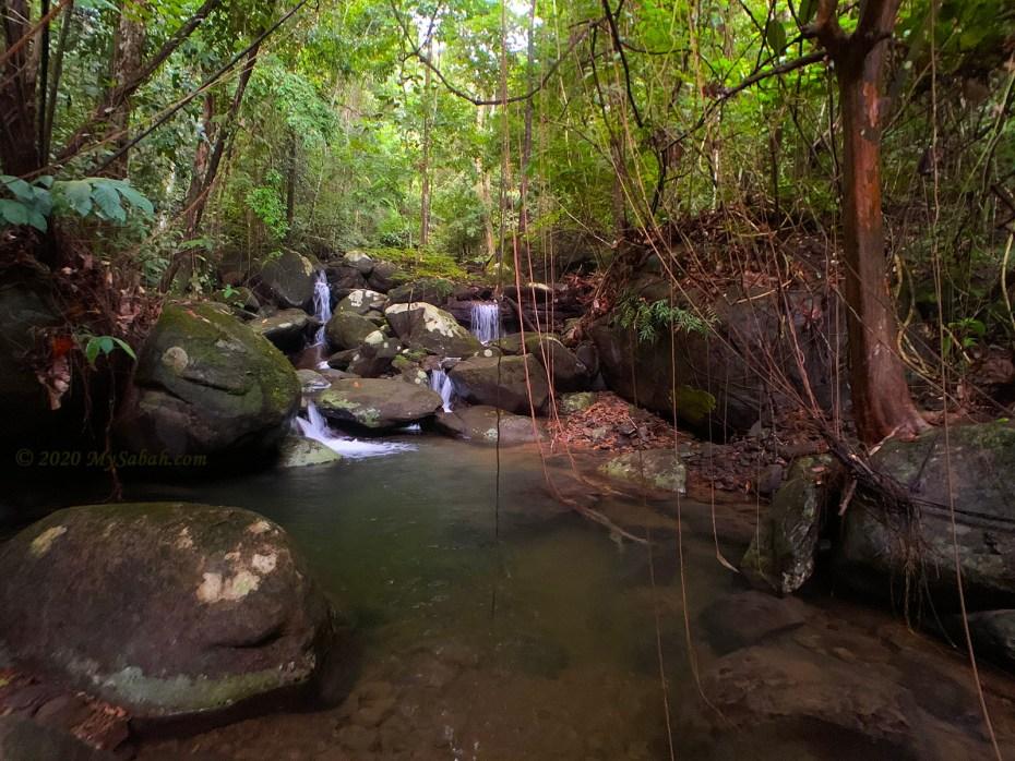 Watu Kepungit Waterfall