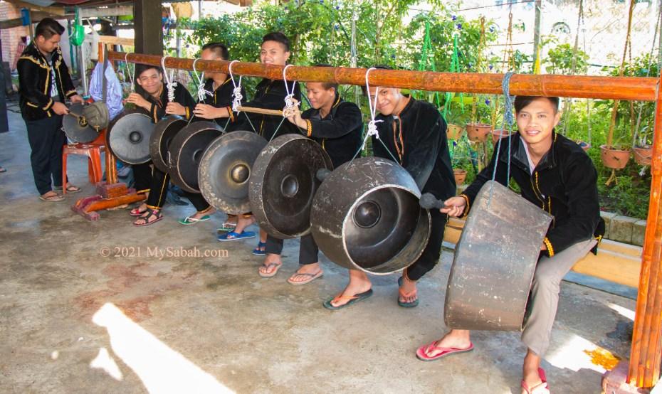 Sompogogungan (musical ensemble) of Tambunan for Sumazau