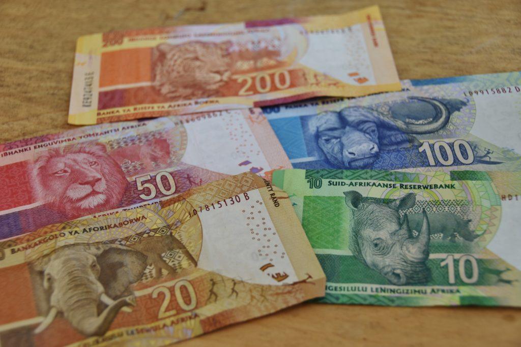 Banconote sudafricane con raffigurati i Big Five