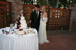 sweet,wedding,cake,traditions
