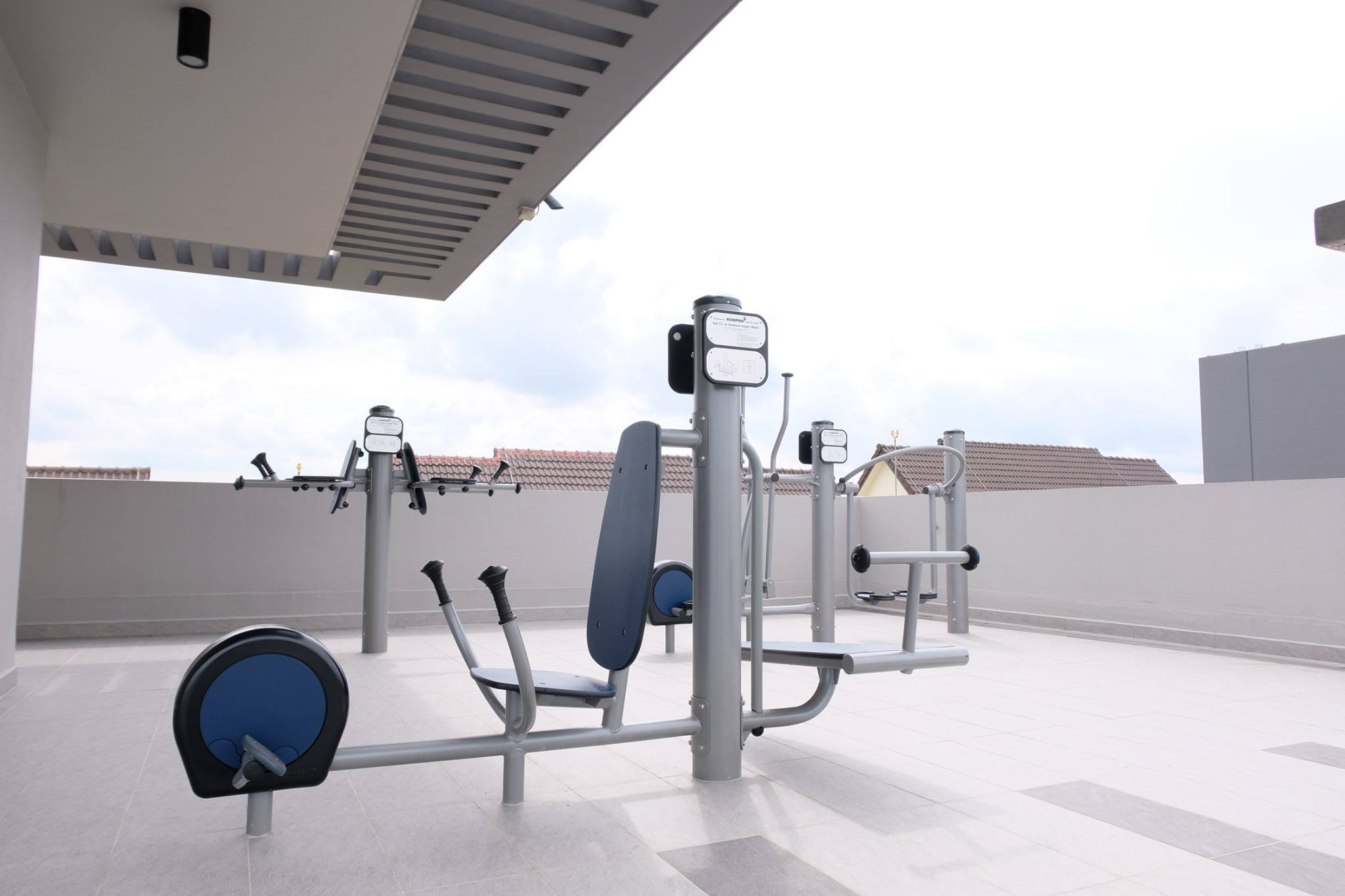 Roots at Transit - Outdoor Gym