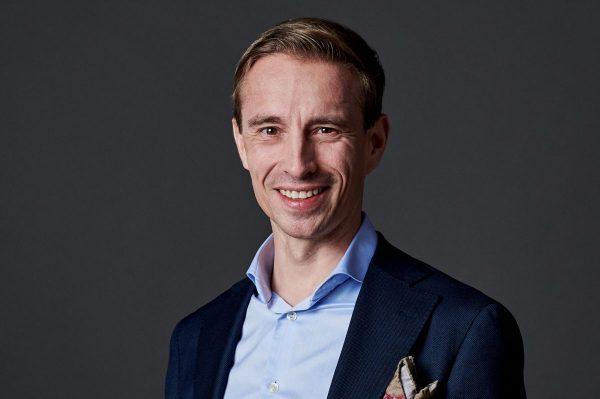 Timo Toivanen mies kuvassa