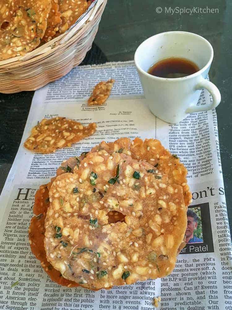 Bobbari Garelu ~ Chekkalu - Rice Flour Black Eyed Peas Crackers