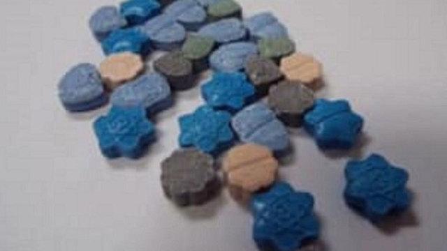 blue-meth-halloween-candy_1540725910167_60438448_ver1.0_640_360_1540735808376.JPG