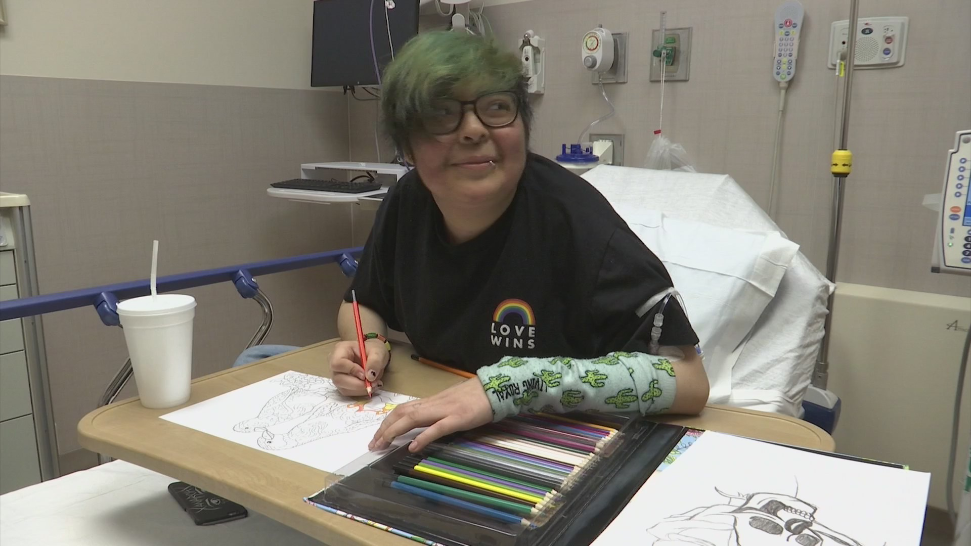 Teenaged Mercyhealth patient enters national hospital gown design contest