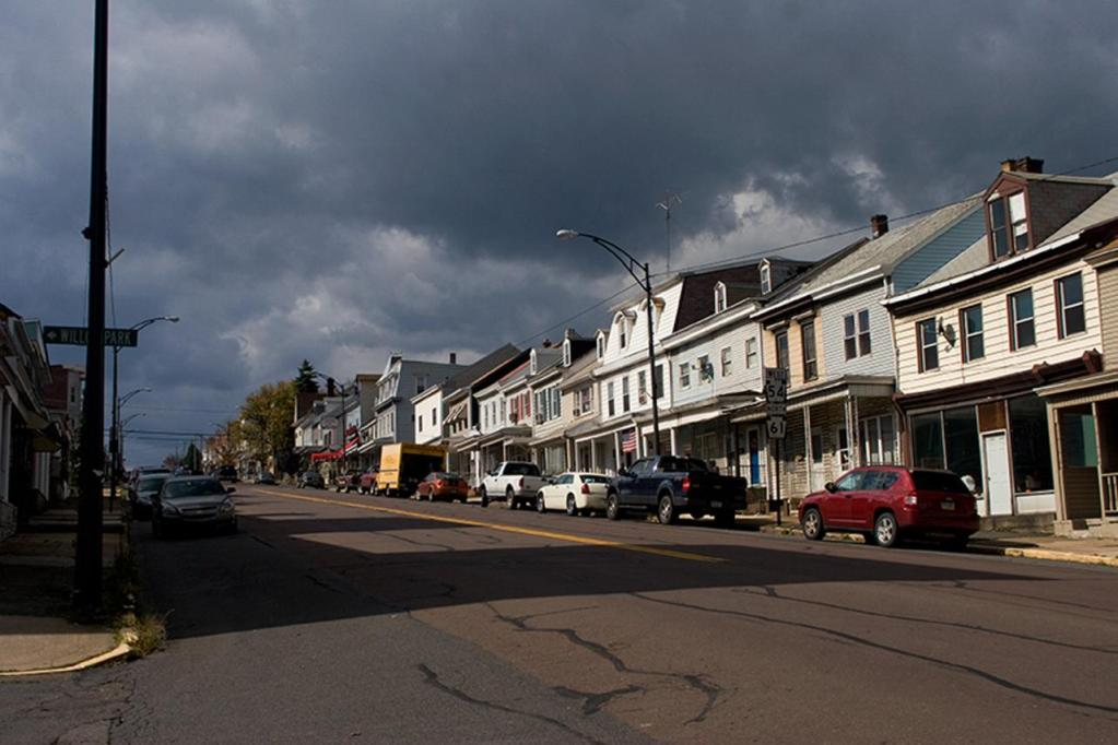 Route 61 running through Ashland, another nearby town that former Centralia residents relocated to. The main streets of Centralia closely resembled these before the fire.