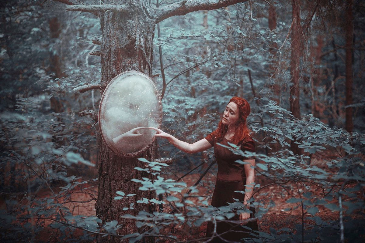 Otherworldly Imagery Of Frank Diamond surreal photography In the mirror