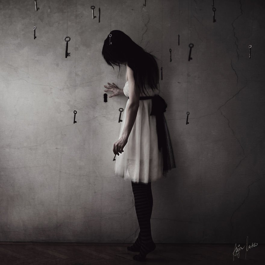 Magnificent And Mysterious Self-Portrait Photography By Anja Matko 4